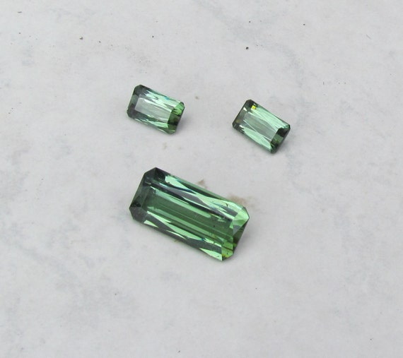 Green Tourmaline Jewelry Set 18.71cts tw