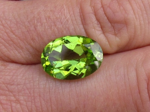 Peridot 5.20cts Oval August Birthstone