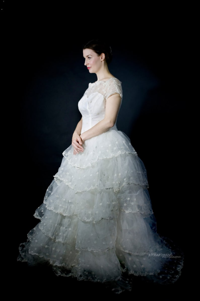 Wedding Dress Vintage lace and tulle M to L image 0