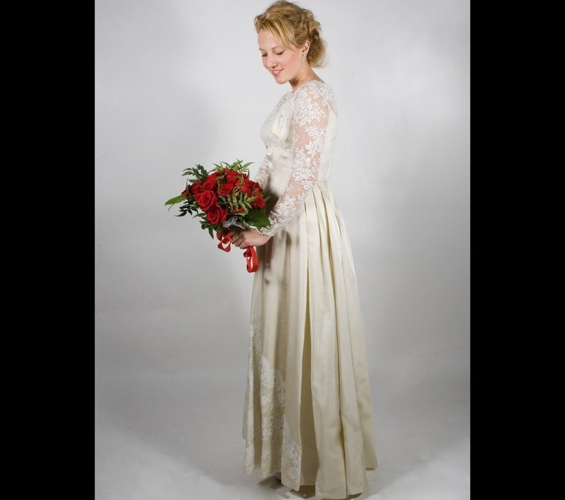 Alfred Angelo Vintage Lace and satin 60's wedding dress image 0