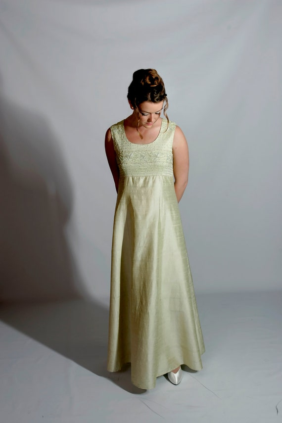 """Mint Green Vintage Gown, """"Hong Kong Couture"""" M, 19"""