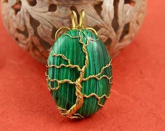 Malachite gold-plated wire Tree of Life pendant, green tree pendant, Christmas tree pendant, Yggdrasil, World Tree pendant