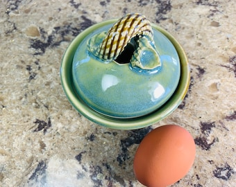 Egg cooker, egg poacher / cooks in 30 seconds in microwave / for a quick breakfast, easy to use, great for keto diet, seniors love eggs