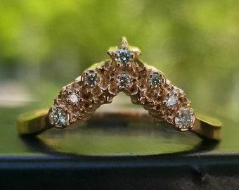 Diamond Star Cluster Chevron Wedding Band - Stardust Celestial Stacking Gold Ring