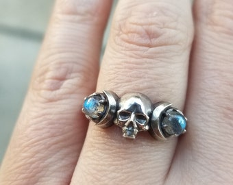 Ready to Ship Size 6 - 8 - Skull and Moon Ring - Labradorite and Sterling Silver - Memento Mori Mourning Jewelry - Gothic Ring