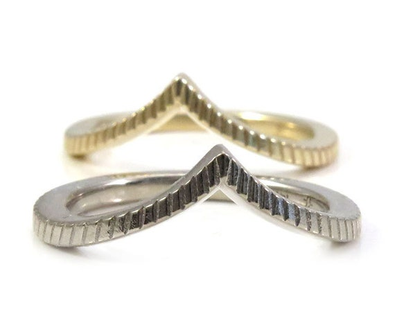 Engraved Chevron Pointed Gold Wedding Band - Rose, Yellow or Palladium White Gold