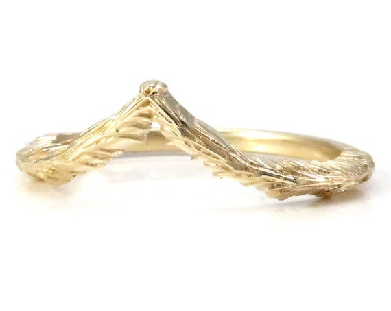 14k Gold Forest Chevron - Nature Stacking Wedding Band - Pointed Side Band