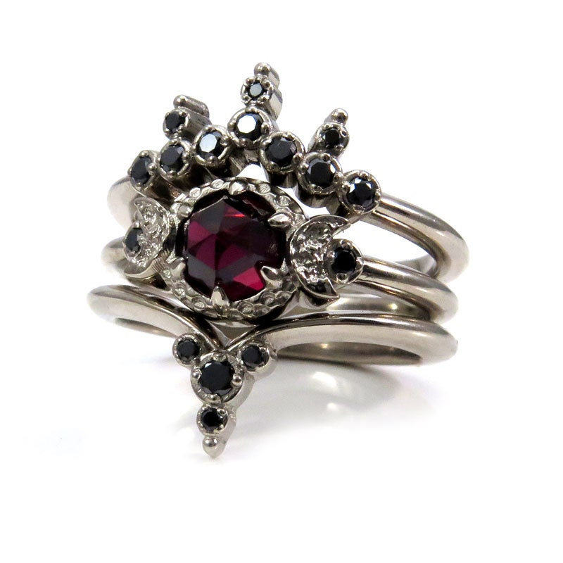 Gothic Wedding Rings.Blood Moon Gothic Engagement Ring Set Rose Cut Garnet With Black Diamond Side Bands Triple Moon Goddess