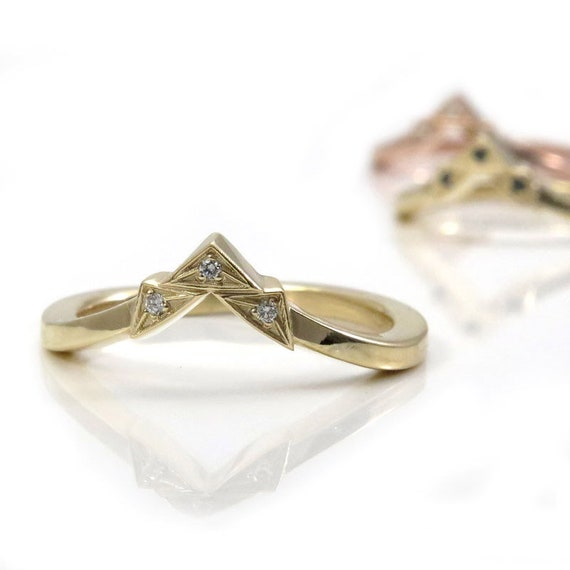 Art Deco Tiny Diamond Chevron Pointed Gold Wedding Band - Rose, Yellow or Palladium White Gold