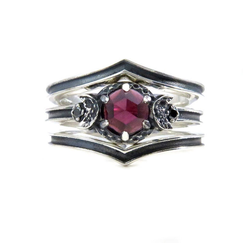 Garnet Blood Moon Ring Set - Black Diamonds and Black Silver Moon Phase  Engagement Ring with Pointed Wedding Bands