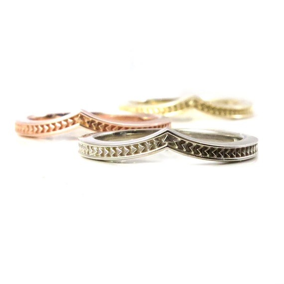Arrow Chevron Modern Gold Band - Yellow, Rose or Palladium White Gold