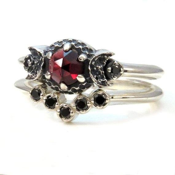 Moon Ring Set - Garnet and Black Diamonds Engagment Ring and Wedding Band in Sterling Silver