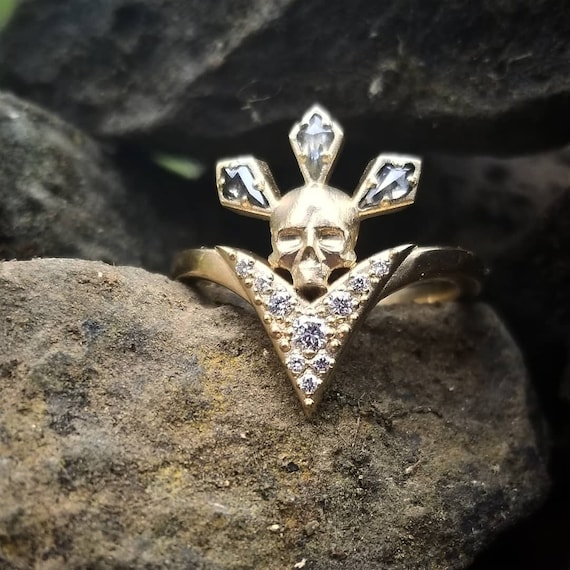 CATACOMB - Ancestor Memento Mori Ring - Gold Skull with Salt & Pepper Kite Diamonds and White Diamond Chevron