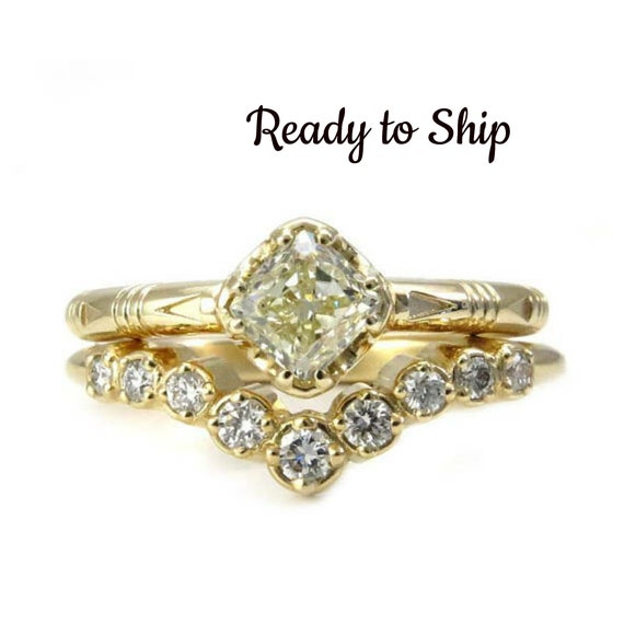 Ready to Ship Size 6-8 - Yellow Gold Solitaire with Natural Yellow Diamond and Graduated Diamond Chevron Wedding Band