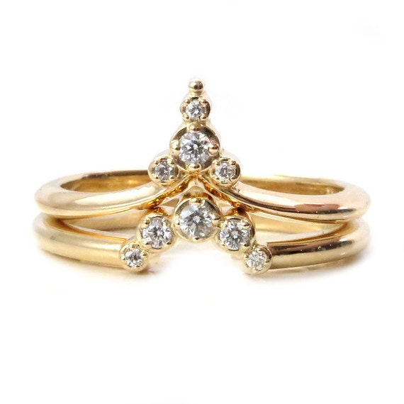 Trailing Diamond Pointed Ring Set - Elegant and Modern Stacking Diamond Rings