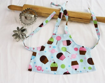 Everyone Loves Cupcakes Doll Apron - blue