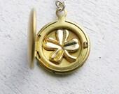 Graduation Gift, Bridesmaid Necklace, Irish Wedding Gift Spring Wedding Idea  Personalized Wedding Bridesmaid Jewelry Locket Clover Necklace