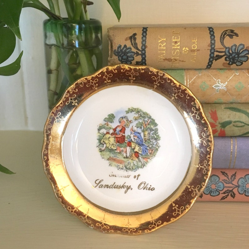 Sandusky Ohio Souvenir Dish Crest-O-Gold Warranted 22K Gold image 0