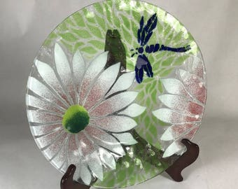 """8.5"""" Sydenstricker Fused Glass Floral Dragonfly Plate"""