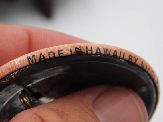 Vintage 1970/'s Hawaii Hawaiian Risque Funny Pin Pinback Button That Reads  Hawaiian Birth Control Device  dr18