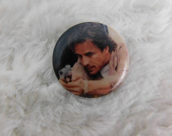 """Vintage 1980's Don Johnson """"James Sonny Crockett"""" from Miami Vice Pin Pinback Button dr2"""