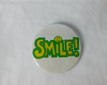 """Vintage Smiley Face Pin Pinback Button that Reads """"  Smile  """"   Dr23"""