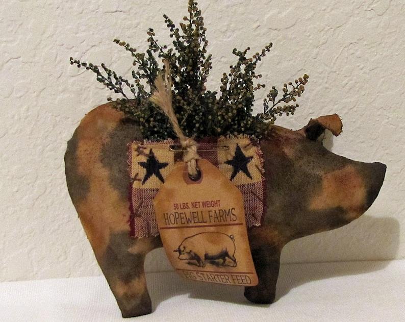 Primitive Americana Big Pig with Preserved Sweet Annie Pocket image 0