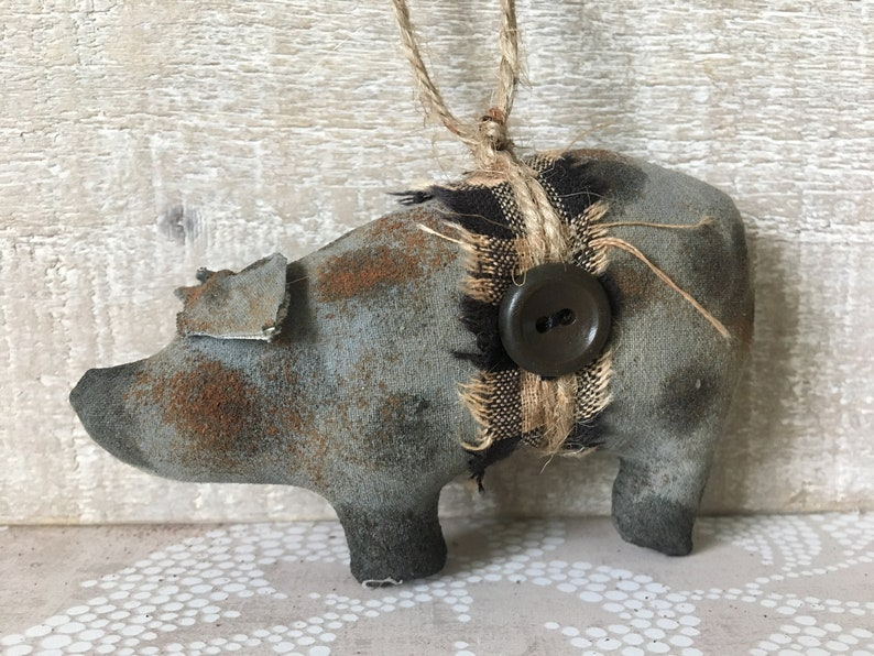 Gray Spotted Primitive Pig Ornaments / Pig Bowl Fillers / Pig image 0
