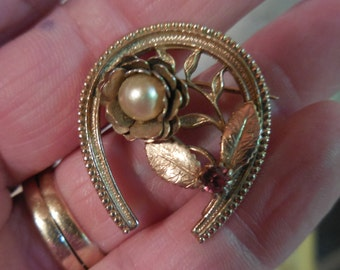 Vintage Gold Tone Horseshoe Pearl and Pink Rhinestone Flower Leaves Small 1950s to 1960s Good Luck