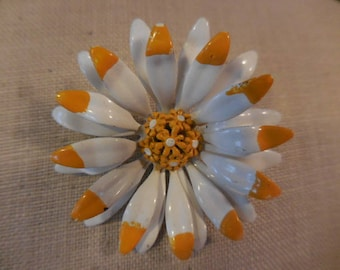 Vintage 1960s to 1970s White and Yellow Flower Pin/Brooch Small Not Perfect (No Stem) Retro Flower Power Enamel
