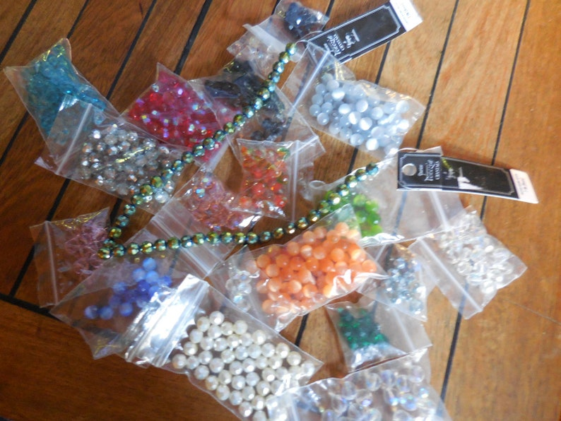 New Glass Round Faceted Bead Lot Mix of Colors 7mm and 8mm Jewelry Making Supplies Crafting Mixed Lot Cat/'s Eye BlueGreenOrangeGrayRed