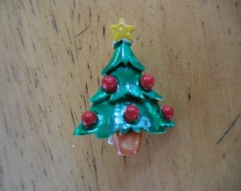 Piccolo albero di Natale vintage spilla smalto verde piccolo rosso giallo stelle anni 1950 al 1960