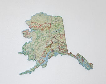 ALASKA State Map Wall Decor   Alaska   Wall Decor   Vintage Maps   Perfect Gift for Any Occasion   Map Decor   Medium Size