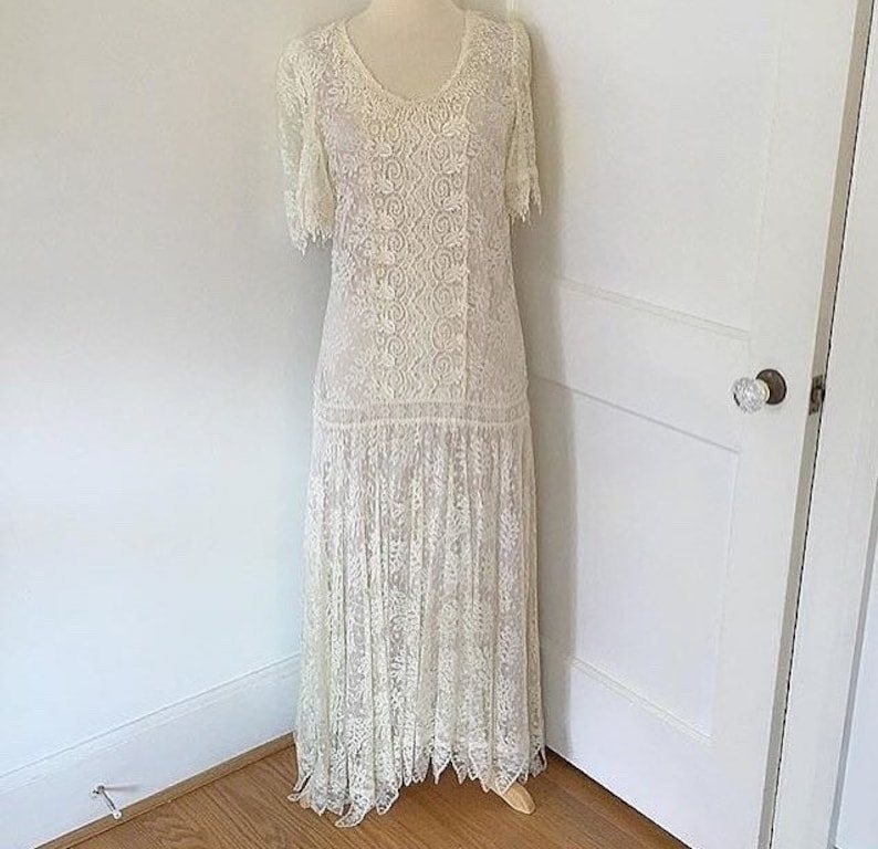 a614c080ef3 80s does 1920s flapper style lace wedding dress