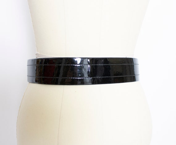 1960s Belt Patent Leather Waist Cinch Two Tone M - image 3