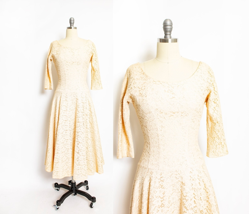 Vintage 1950s Dress Beige Champagne Lace Full Skirt 50s Small S