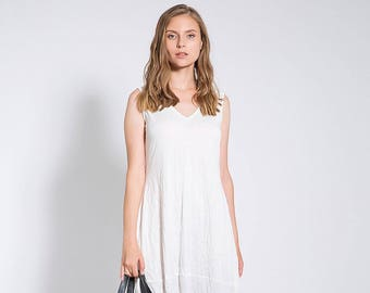 White Midi Dress, Loose Fitting Dresses, Summer Dresses, V Neck Dress, Ladies Dresses, Casual White Dress, White Cotton Dress, White Dress