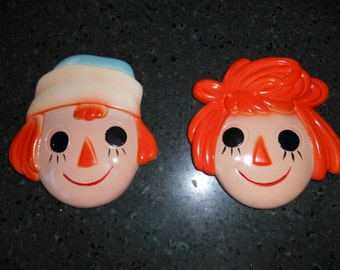 Vintage Raggedy Ann and Andy, Miller Studios Chalkware Faces, wall plaques 1970s