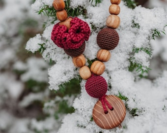Handmade Button Necklace, oak wood, made in KangarooCare Europe