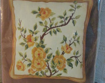 """Vintage( New) NEEDLEPOINT PILLOW KIT by Bucilla # 4193 """"Yellow Flowers"""" 14 """" x 14 """""""