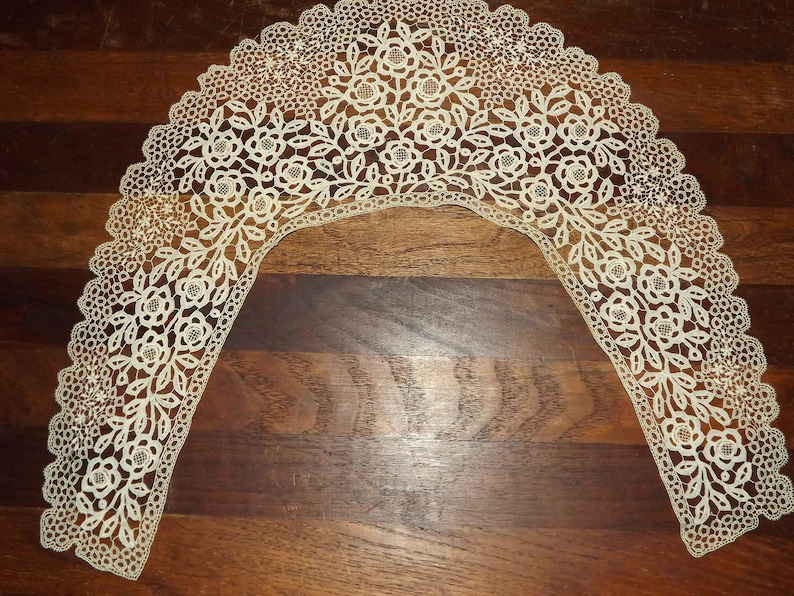 Victorian Clothing, Costumes & 1800s Fashion Vintage Cream Lacy Collar Reenacting Collar Civil War Collar $23.50 AT vintagedancer.com