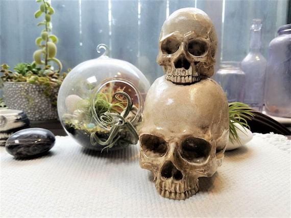 Stacked Skull Statue Skull Candle Holder Skull Bookends Dark Wedding Decor Halloween Skull Decorations Skull Decor Gothic Decor