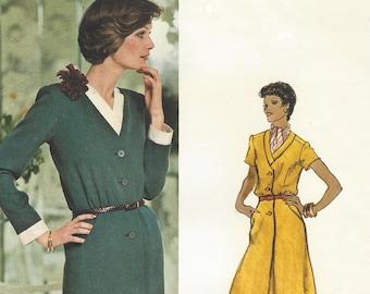 1970s Nina Ricci Womens Dress with Detachable Band & Cuffs A-Line Skirt Vogue Sewing Pattern 1123 Size 12 Bust 34 FF Vogue Paris Original