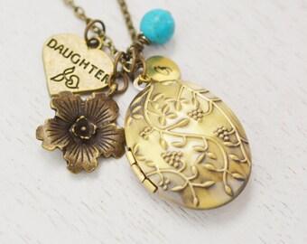 oval locket,daughter gift,friend necklace,mother daugher locket,birthday gift,initial necklace,personalized locket,photo locket,bridesmaid