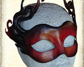 leaf mask, vegtanned leather
