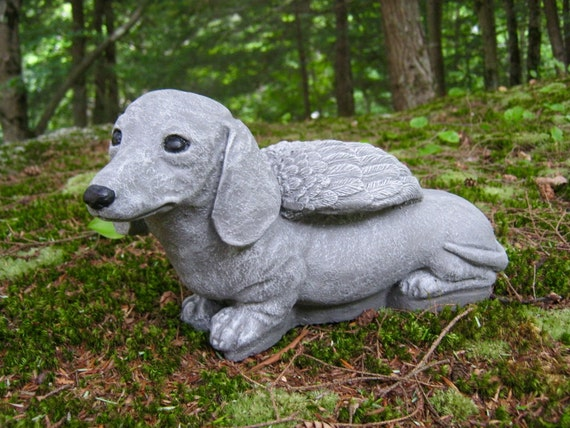Furr-Ever In Our Hearts DACSHUND Leave Paw Prints DOG in Angel Wings Figurine