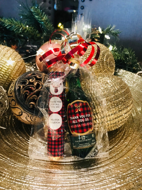 Christmas Mini Gift Set,Christmas Plaid Gift set,Buffalo Plaid Coworker Gift Set,Chocolate Rolo and Mini Wine Bottle label Gift Set.Set of 5