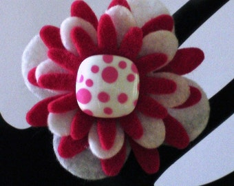 Miley (Funky Felt Flowers Cocktail Ring)