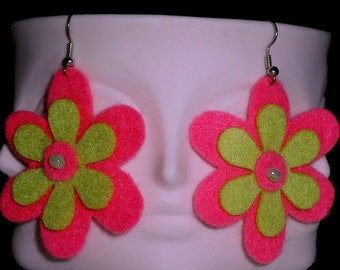 Bubblegum Funky Felt Flowers Earrings