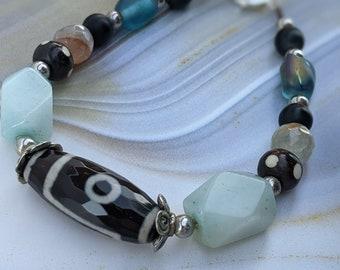 Agate Treasure Unisex Beaded Bracelet